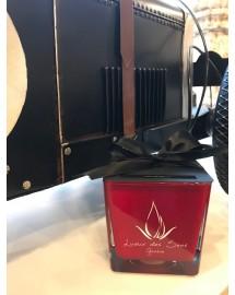 bougie parfumée cuir ambré carré grand rouge exclusive